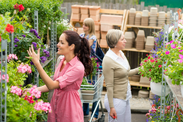 13 Tips to Drive Customers to Your Garden Centre via the Internet